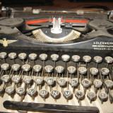 Masina de scris veche obiect de clectie