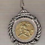 CIA 287 Medalie FOTBAL -cu panglica de pus lagat(rosu, alb, albastru) Franta? -dimensiuni circa 45X50 milimetri -starea care se vede