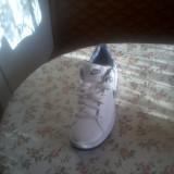 Vand Adidasi - Adidasi barbati, Marime: 38, Alb