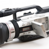 Vând cameră-video Canon xm2 stare fb. nota9.5 din 10, Mini DV, CCD, 20-30x, Intre 2 si 3 inch