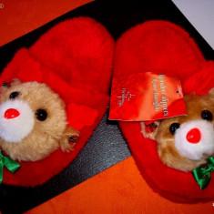 Papuci copii - Papuci de casa copii - rosii: cei mai draguti si mai pufosi cu animale in relief
