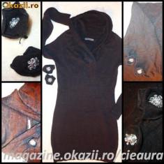 Rochie tricotate, Midi, Lunga, Lana - ROCHIE FASHION TRICOTAJ NEGRU / BEJ firma BLUE SEA, MANECA LUNGA, GULER INALT PETRECUT, 2 TRANDAFIRI DETASABILI