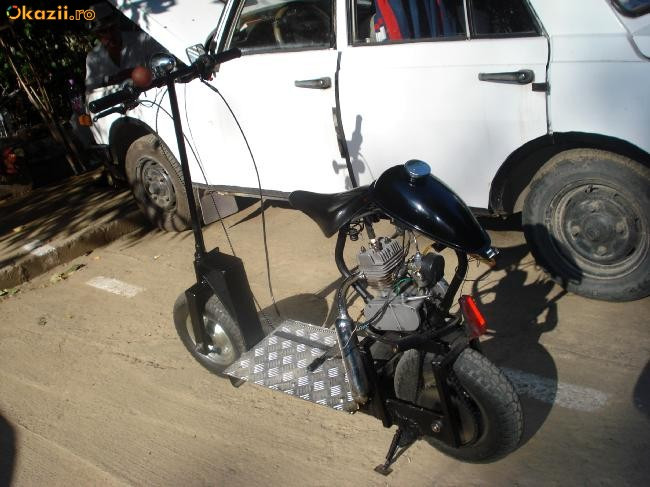 Trotineta cu motor 50 cc foto mare