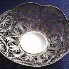 Bomboniera argintata, lucrata in filigran, Ornamentale