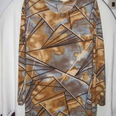 Costum dama, Costum cu fusta, Din imagine