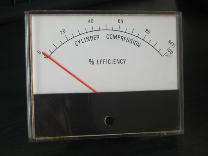 manometru compresie motor foto mare