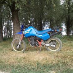 Vand motocicleta Aprilia Tuareg 350 in stare buna de functionare. Accept schimburi doar cu moto de sosea, exclus chopper.