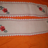 Centru masa cusut manual pe etamina - tesatura textila