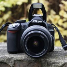 Aparat Nikon D3100+obiectiv AFS Nikkor 55-200 mm VR+Blitz Nissin - Aparat Foto Nikon D3100