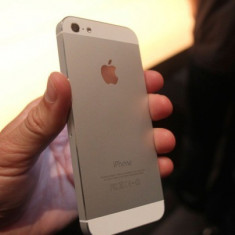 iPhone 5 Apple alb 16G nou, 16GB, Neblocat