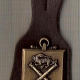 C347 Medalie(insigna) Militara -Artilerie Marina-(dragon, tunuri incrucisate, ancora)-marime cca 98X38X(45x28)mm, gr. aprox 20 gr. -starea care se ved