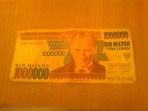Vand doua bacnote de 1000.0000 Lire Turcesti din anul 1970 foto