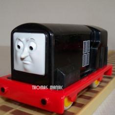 Trenulet de jucarie Thomas and Friends, Plastic, Unisex - My First Thomas by Golden Bear trenulet - Diesel locomotiva neagra din Sodor ( transport 2.6 RON la plata in avans )