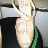 Pantofi Christian Louboutin . Pantofi Dama . Incaltaminte Dama