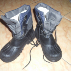 Cizme copii, Unisex, Marime: 31.5 - Mas 31-32 cizme cu blanita in int unisex pt zapada 45 ron