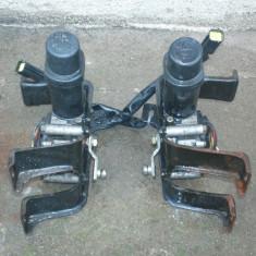 Set motorase pentru faruri de Ford Probe