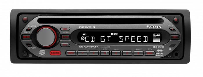 Sony CDX-GT200E.