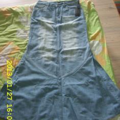 Fusta de blugi Mango bleu, frecata in fata ACUM DOAR 30 LEI !!!, Maxi