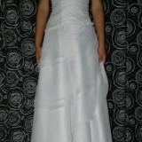 rochie de mireasa voal
