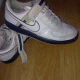 Adidasi Nike - Adidasi barbati, Marime: 42, Alb