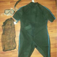 Kit snorkeling marime XXL, costum izolant, tub, labe + accesorii - Set Scuba diving