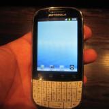 Motorola fire, xt311, tst querty si touchscreen - Telefon Motorola, Alb, Neblocat, Single SIM, 256 MB, Touchscreen+Taste