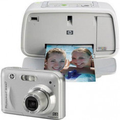 Aparat foto + Imprimanta foto HP Photosmart + card 2GB + husa - Aparat Foto compact HP, Compact, 5 Mpx, 3x, 2.4 inch