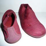 Pantofi sport Nike pentru antrenamente in sala fara sireturi - Tenisi dama Nike, Marime: 38.5, Culoare: Grena