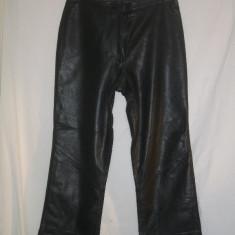 PANTALONI PIELE NATURALA NEAGRA ARMA 40 - Pantaloni dama, Culoare: Negru, Lungi