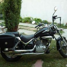 Motocicleta Suzuki - Chopper Suzuki Intruder 125
