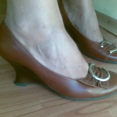 Pantofi dama, Marime: 38, Maro - Pantofi din piele cu platforma marimea 38, arata impecabil!