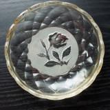 Farfurie veche din sticla-model trandafir - Arta din Sticla