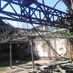 Structura Hala Metalica, 800 mp, 20m X 40m, 12 ferme de 20 m lungime, pe stalpi metalici de grosime fi 110, cu inaltimea de 2, 5 m.