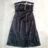 Rochie de ocazie neagra cu buline albe.