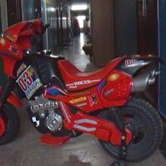Vand motocicleta electrica sport ptr copii 7-12 ani - Masinuta electrica copii Peg Perego, Unisex, Rosu