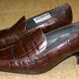 Pantofi dama marca Ara piele marimea 4 1/2 ( echivalent 37.5 european ) , locatie raft  ( 9 / 1 )