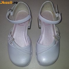 Pantofi copii, Fete - Pantofi albi, fete 3-4 ani, masura 7 M SUA, ca noi