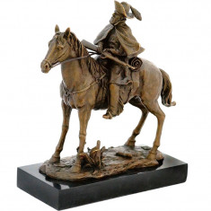 CALARET- STATUETA DIN BRONZ PE SOCLU DIN MARMURA - sculptura reproducere, Scene lupta