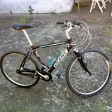 "Bicicleta de oras Giant, 22 inch, 28 inch, Numar viteze: 7, Aluminiu, Alb-Mov - Giant Canberra din aluminiu 28"" strada"