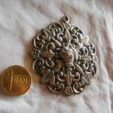 Superb si Vechi Medalion Art Nouveau Impunator si Elegant
