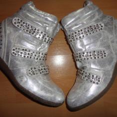 Adidasi dama, Marime: 39, Argintiu - Adidas gheata cu talpa ortopedica NR 39 NOI!