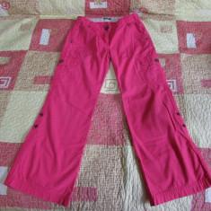 Pantaloni Benetton fete 6-7 ani, Roz