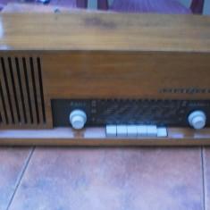 Radio pe lampi Loewe Opta Bella Modern typ 42013 - Aparat radio