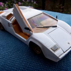 Macheta Revell 1988 - Lamborghini Countach 1:24 - Macheta auto