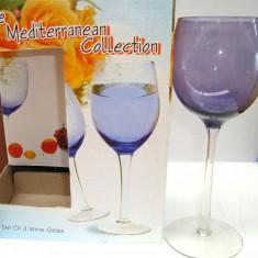 Set de 4 pahare de vin din sticla cu picior diverse culori