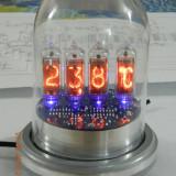 """Termometru electronic de interior cu afisaj cu tuburi Nixie - """"Space Age Design"""""""