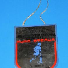 Fanion fotbal - FANION DE COLECTIE TURNEU INTERNATIONAL DE FOTBAL STEAUA BUCURESTI 23-24 IULIE 1988 (01184)