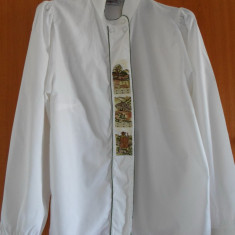 CAMASA FEMEI BAVAREZA/TIROLEZA BRODATA, PENTRU OKTOBERFEST - Costum populare, Marime: 44, Alb