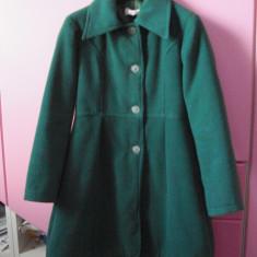 Palton verde/ pt.fetite, Fete