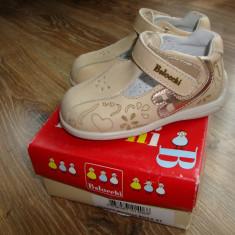 Vand pantofi piele noi bebe, marimea 20, import italia - Pantofi copii, Culoare: Crem, Unisex, Piele naturala